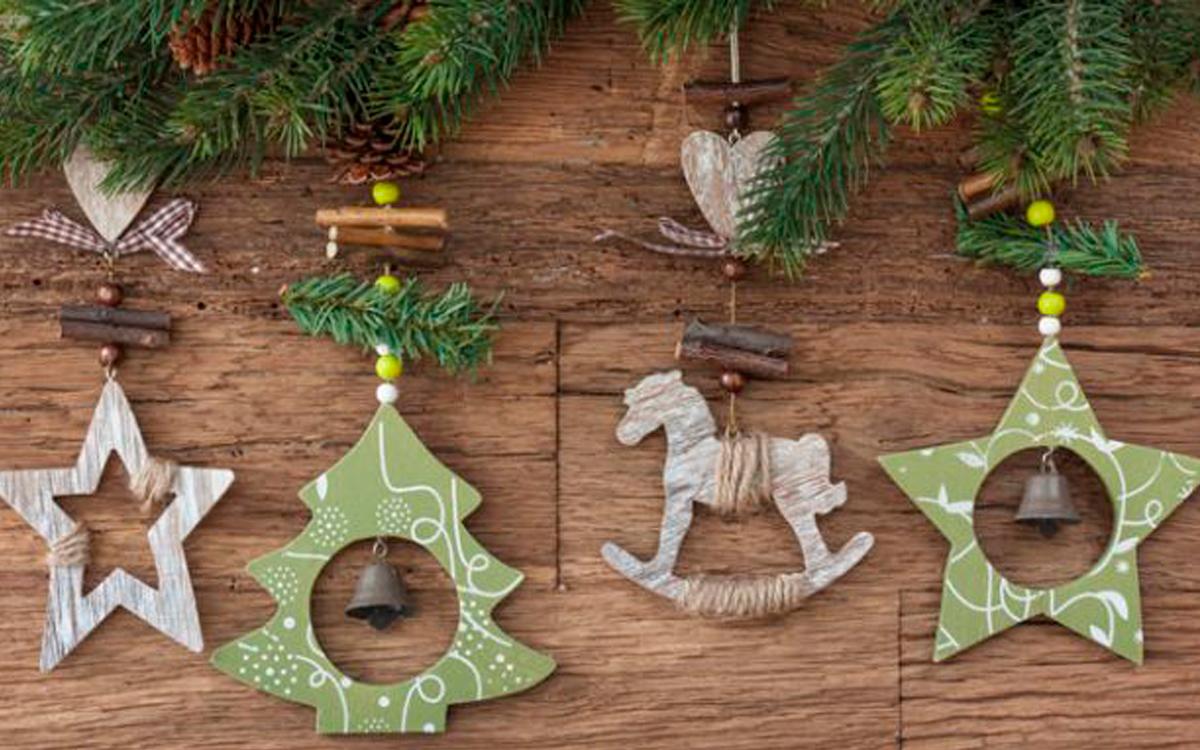 C mo hacer adornos de navidad de madera ecohouses for Adornos de navidad para hacer en casa
