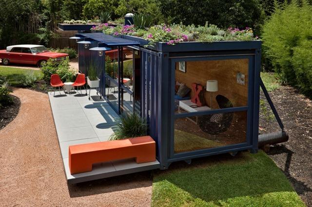 casa-contenedor-con-tejado-verde